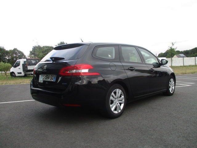 Photo 4 de l'offre de PEUGEOT 308 SW 1.6 BLUEHDI 120CH ACTIVE BUSINESS S&S EAT6 à 11490€ chez AUTOMOBILES DE A A Z DOMALAIN