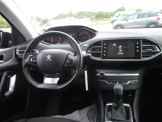 Photo 7 de l'offre de PEUGEOT 308 SW 1.6 BLUEHDI 120CH ACTIVE BUSINESS S&S EAT6 à 11490€ chez AUTOMOBILES DE A A Z DOMALAIN